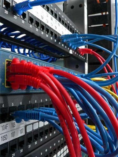 montazh-kompyuternyh-i-telefonnyh-setey.-obsluzhivanie-ofisnoy-tehniki--c07e-1436342831376254-1-big